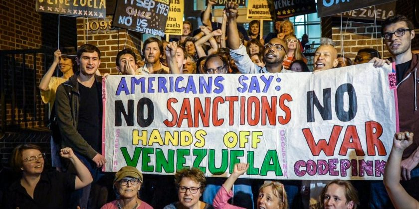 venezuela-embassy-dc-protectors